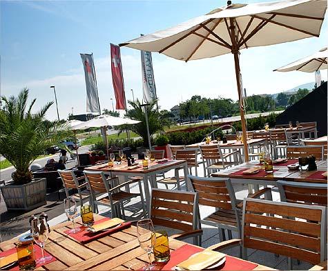 Courtyard-Basel-Bistro